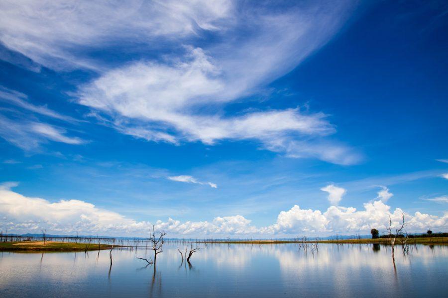 lake kariba bumi hills